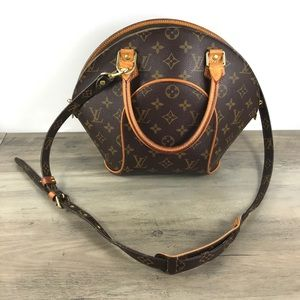 ❤️Cute ❤️Louis Vuitton crossbody bag